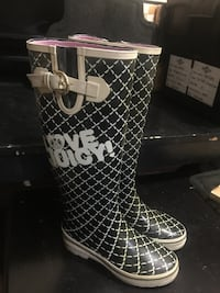 Juicy Couture Rubber Boots size 6 Calgary, T3K 6C5