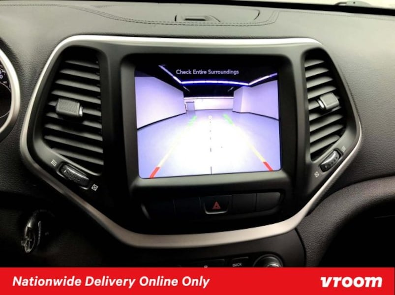 2014 Jeep Cherokee Bright White Clearcoat hatchback c03953f1-328d-4dba-a0c9-df43e15db1cb