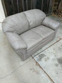 Two seat leather couch Santa Cruz, 95062
