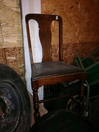 Antique chairs Hamilton, L0R 2H5