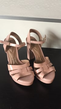 Pair of Rose leather open-toe ankle strap heels size 10 Bluffton, 29910