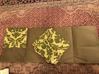 Table runner with matching mats  Vaughan, L6A 3A5