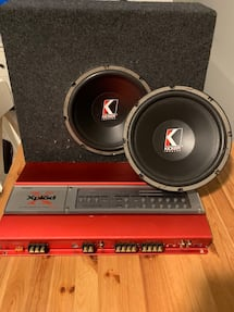 Amplifier and (2) speakers for sale 300 obo
