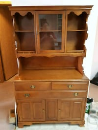 China unit Maple I think has adjustable shelf Leduc