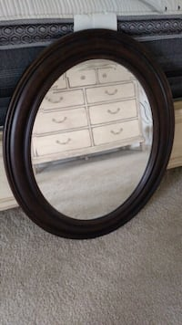 oval black wooden framed mirror Warrenton, 20187