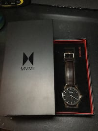 Round black mvmt analog watch with black leather band and box