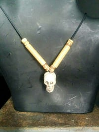 Free with purchase Skull necklace (5pics)
