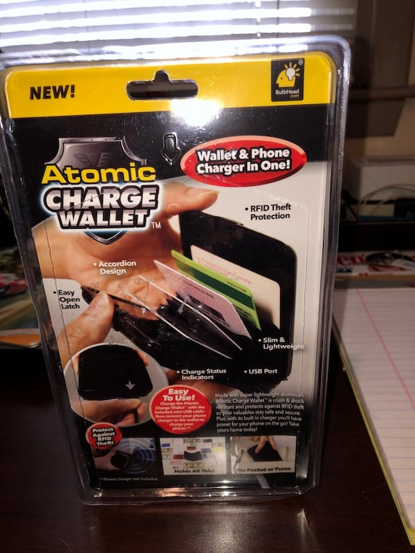Wallet/ phone charger cc904487-66ab-4972-8eb3-26adfd1094f6