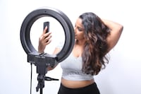 13 inch Dimmmable Diva Ring Light  (great for shooting videos & photos) Toronto