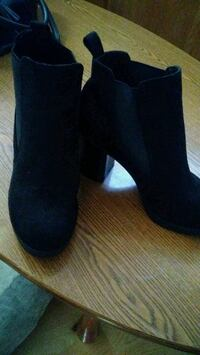 American Eagle Shorts Black Suede Boots Tustin, 92780