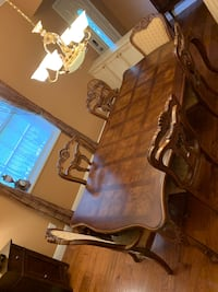 Dining room table  Dade City, 33525