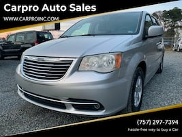 Chrysler-Town and Country-2011