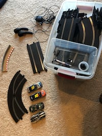 Scalextric 1:32 slot car track and 4 cars Okemos, 48864
