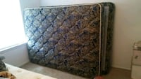Queen sized Serta pillow top mattress/ barely used Tallahassee, 32309