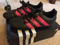 Cleats (Soccer shoes)in mint condition  26 mi