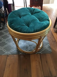 EUC Footstool with cushion  Sandy Springs, 30350