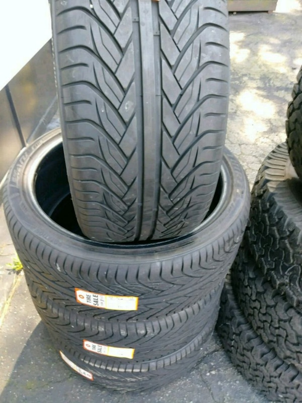 Used tire 265/35/22