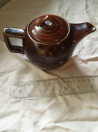 Pottery teapot made in North America Pointe-Claire, H9R 3V2