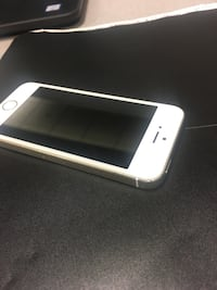 Iphone5s 16GB hardly used!! 10/10 condition  Toronto, M3J 3M6