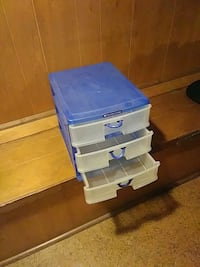 blue and white plastic 3-drawer chest