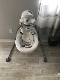 baby's white cradle n swing Tampa, 33607