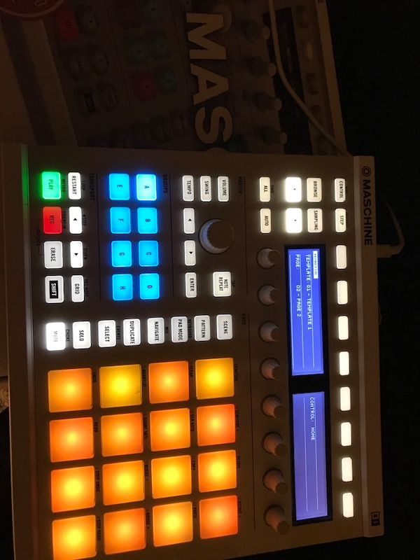 used beat machine mk2 maschine production studio white gray drum pad machine with box for. Black Bedroom Furniture Sets. Home Design Ideas
