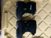 Winter boots, slippers, rainboots toddler size 8 Montréal, H8P 3E8