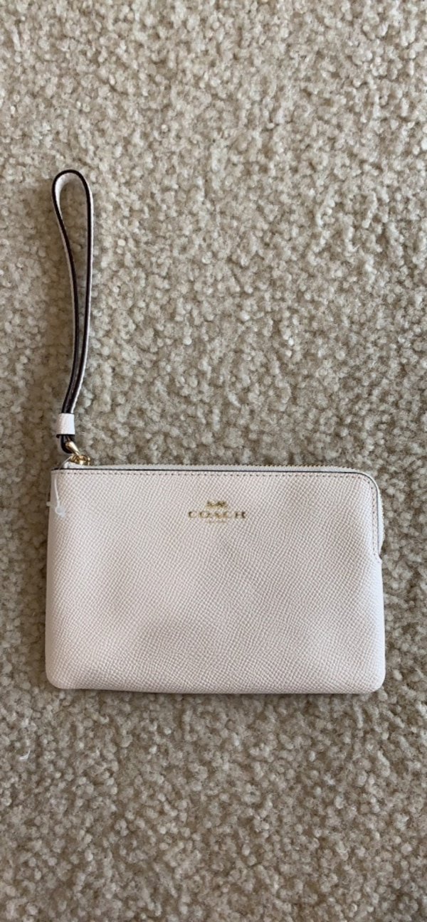 Coach White Leather Coin Purse. Brand new!