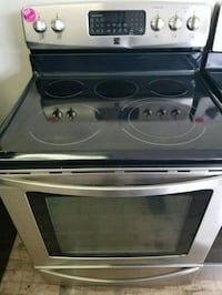 Black & Stainless Steel Kenmore Electric Stove  Cleveland, 44109