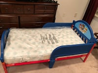 Bed with mattress for toddler kid < 1 km