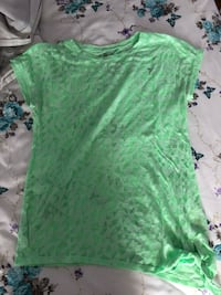 Size large green sports shirt Toronto, M3K 1V2