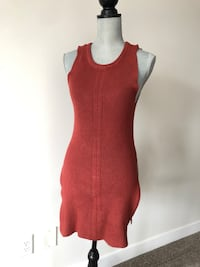 Dynamite sleeveless sweater with slits-size extra small Edmonton, T5Z 0N3