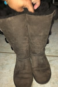 Brown Ugg boots-Size 8 Delran, 08075