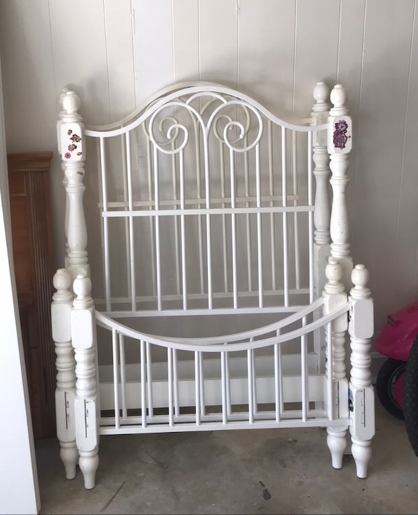 used 2 matching twin bed headboards and footboards for sale in rocky mount letgo. Black Bedroom Furniture Sets. Home Design Ideas
