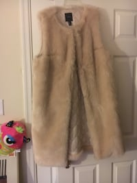 Light pink vest fur  WASHINGTON