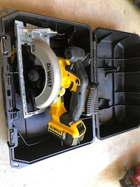 Black and yellow dewalt circular saw 20v New Lanham, 20706