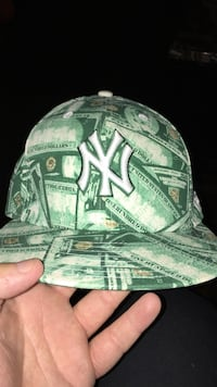 green New York Yankeez fitted cap 7 7/8 Burlington, L7R 1J7