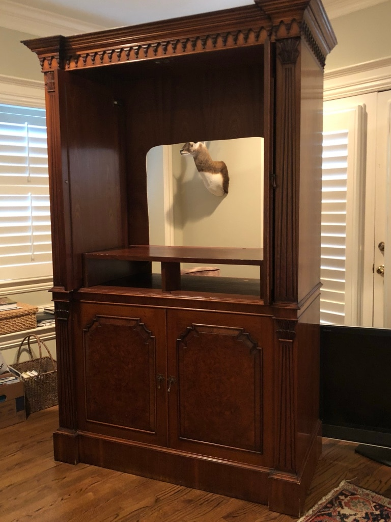 Paid 7k+ From Kathy Adams Interiors. Excellent Condition Except For Hole Cut