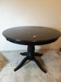 Solid wood table and three chairs Cape Coral, 33990