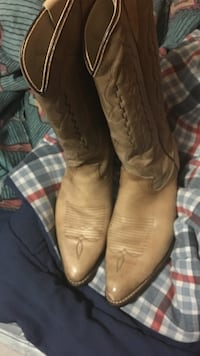 Nude leather cowboy boots