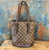 Louis Vuitton Damier Hangbag