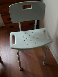 white and gray rolling chair Chelsea, 02150