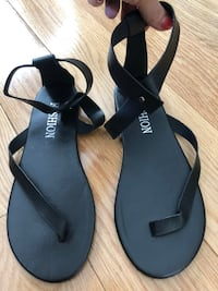 Black strappy sandals Ann Arbor, 48103