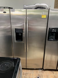 WITH WARRANTY! GE Refrigerator Fridge Side by Side With Icemaker #903