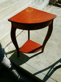 Corner table solid wood Edmonton, T5Y 3L3
