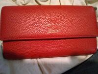 Gucci Red leather wallet  535 km