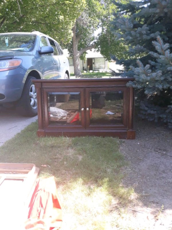 refurbished entertainment center is really good an 5fa0202f-99e3-4fd4-93a3-23871c619c81