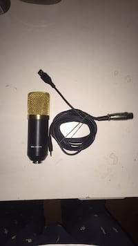 USB condenser microphone, for singing/recording and easily connects to computer/laptop Toronto, M3J