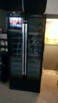black side by side refrigerator with dispenser Ashburn, 20147