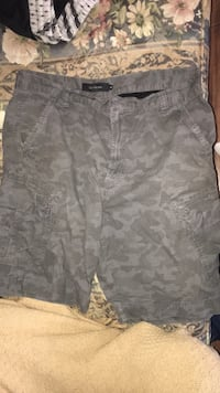 Gray and white camouflage cargo shorts Kingston, K7K 5Z4
